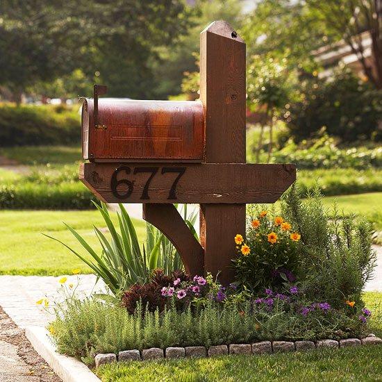Front Yard Mailbox plantings